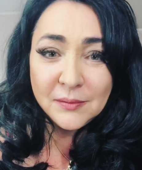 Лолиту Милявскую не пускают к дочери на выпускной