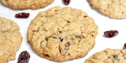 Американское печенье с шоколадом, изюмом, орехами и овсянкой