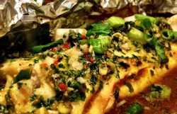 Минтай в фольге в духовке с овощами, сметаной, картошкой, сыром