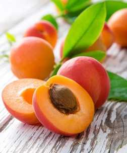 Рацион ребенка: чем полезны сезонные фрукты